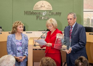 Sandy presents the Ellsworth G. Simmons Good Government Award to Governor Bob Martinez. Former First Lady of Florida, Mary Jane Martinez, was on hand to honor her husband.