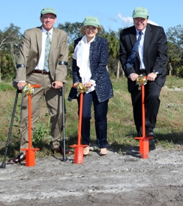 Commissioner Sandy Murman helps break ground for the Florida Conservation/Technology Park, a partnership between TECO, Hillsborough County, The Florida Aquarium and the Florida Fish & Wildlife Conservation Commission. Also on hand were Commissioner Al Higginbotham and Gordon Gillette, TECO President.