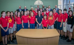 Sandy hosted a group of students from St. Stephens Catholic School at a recent meeting of the Hillsborough County Board of County Commissioners.