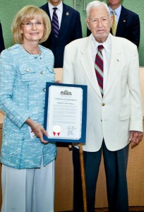 Sandy presents Jack Horner, former prisoner of war and missing in action during World War II, a commendation recognizing his service to our nation and Hillsborough County at a BOCC meeting.