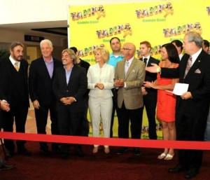 Commissioner Sandy Murman and a bevy of local officials welcome Actor John Rhys-Davies (Raiders of the Lost Ark, Lord of the Rings) to Hillsborough County at a special South Tampa Chamber of Commerce ribbon cutting to open Tampa Bay Comic Con.